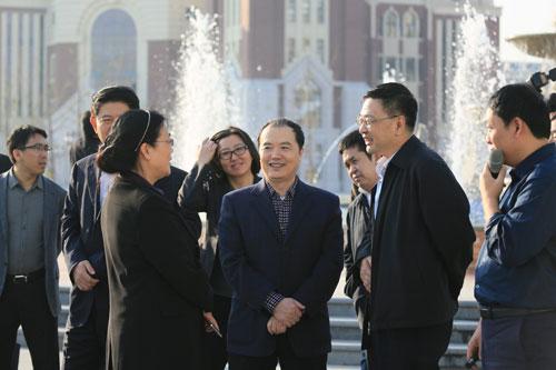 市委书记焦彦龙来曹妃甸新校园视...
